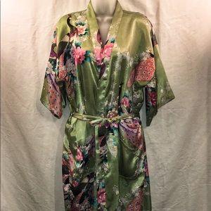 Tain Boa Gong Kimono robe